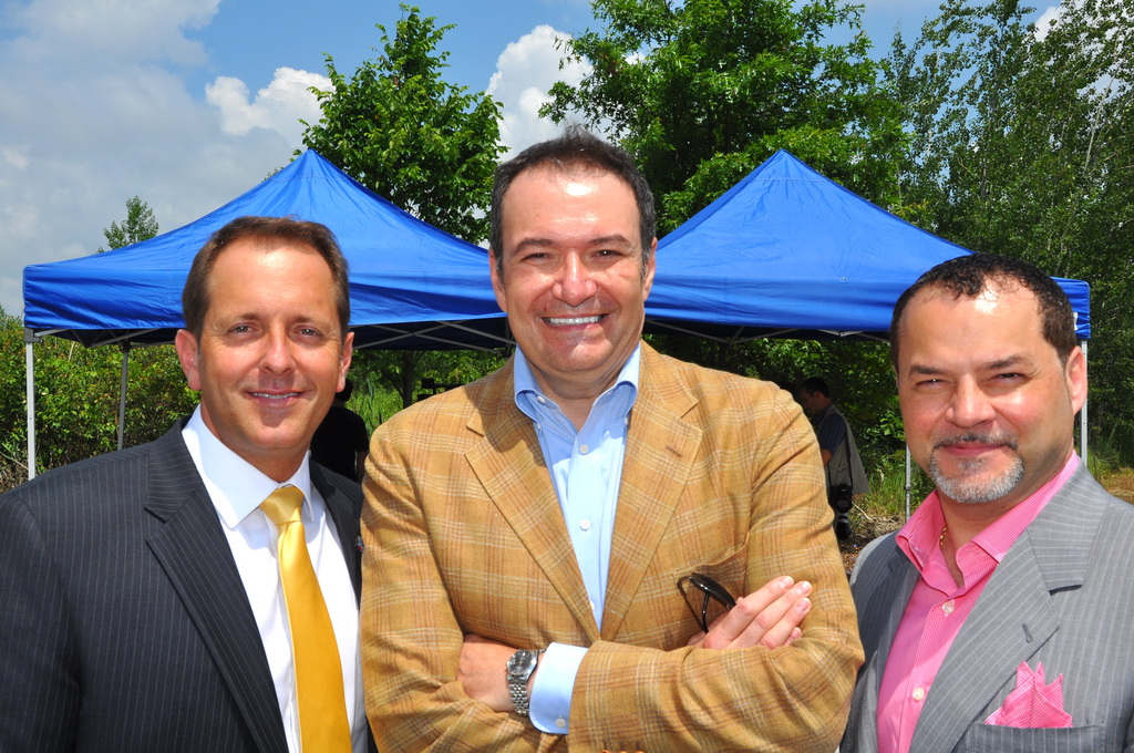 Proposed Niagara Falls Hospital - Mayor Jim Diodati, Dr. Kevin Smith, Frank Deluca