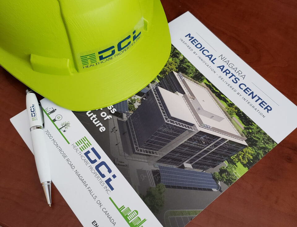 DCL green hard hat